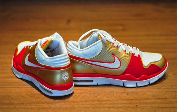 manny-pacquiao-nike-air-trainer-r-1