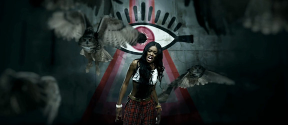 azealia-banks-plaid-pants
