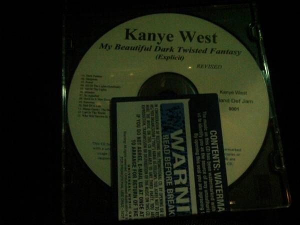 kanye-beautiful-dark-twisted-fantasy-cd