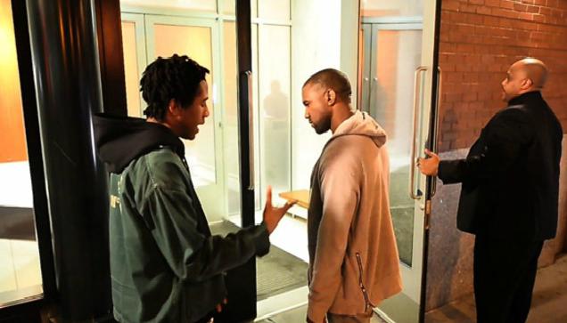 kanye-west-listens-to-rapper